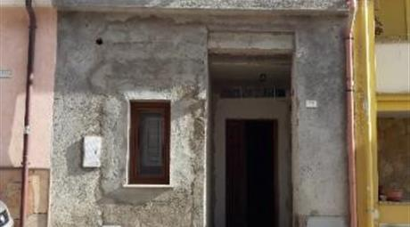 Sennori casa su due livelli