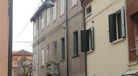 Edificio indipendente in vendita a Rovigo