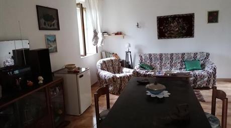 Vendesi casa colonica con terreno in Contrada Baruncoli  a Corleto Perticara (PZ)