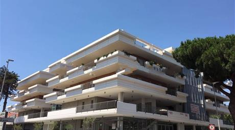 Trilocale via di Acilia 90, Roma € 253.000