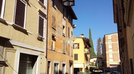 Rustico via Trento 213, Toscolano-Maderno € 375.000
