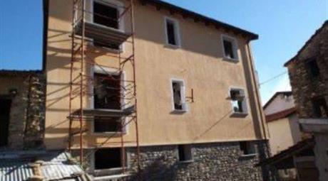 Villa plurifamiliare frazione Armati, Stellanello € 135.000