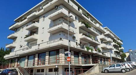 Trilocale in Vendita in Via Emilio Casella 12 a Cepagatti
