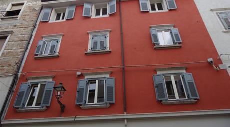Gorizia VENDITA appartamento 3 piano  Centro Storico