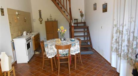 Villa Strada Statale 627 13, Villa Latina