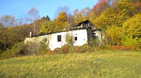 Terreno + rustici borgata intera hamlet and land