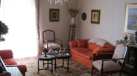 Appartamento in via Madonna delle Rocche, Quadrivio Spinasanta