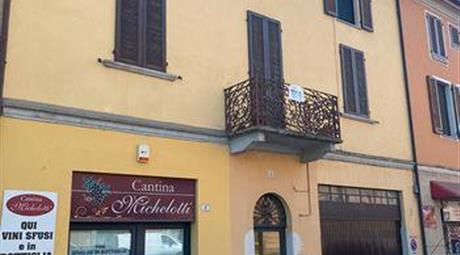 Casa ristrutturata e già arredata a Cremona