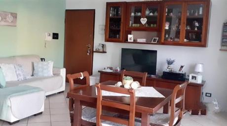Vendesi appartamento  trilocale pari al nuovo in via Giuseppe Verdi  a Ivrea (TO)
