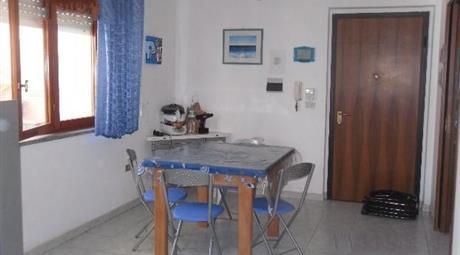 Bilocale con doppi servizi, in vendita in via Sandro Pertini, 39