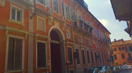 Stradella centro Splendido attico Palazzo Gentilizio finemente ristrutturato
