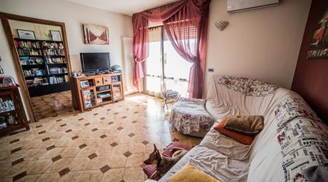 Luminoso appartamento spazioso, zona tranquilla