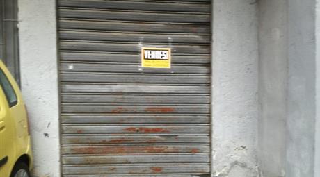 Affitto garage 50 metri quadri 300 €