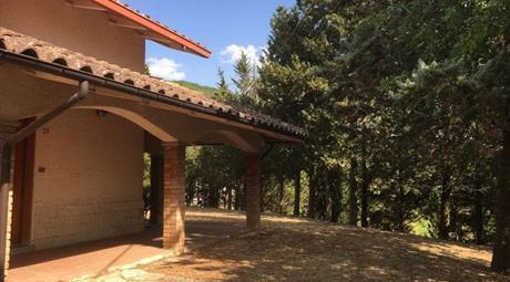 Villa in Vendita in a Genga € 150.000
