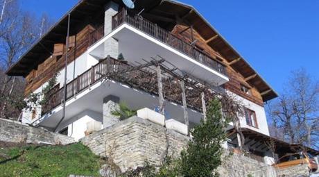 Casa indipendente in località Roccabruna,