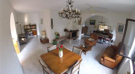 Appartamento in bifamiliare unico piano (terra) Latina