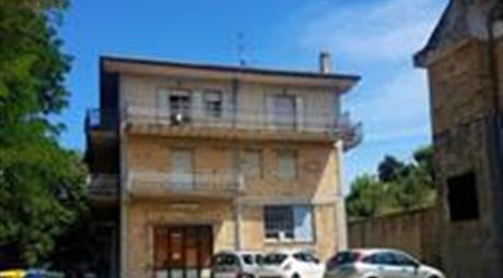 Locale commerciale in Vendita in Viale Gino Bartali 1 a Ripatransone