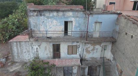 Rustico, Casale in Vendita in Via F. Podda 32 a Loceri