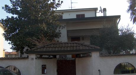 Villa singola vicino fermata passante ferroviario