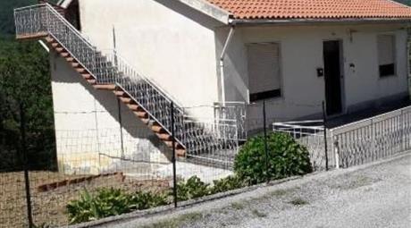 Casa indipendente in vendita in località Irianni , Sant'Angelo di Brolo