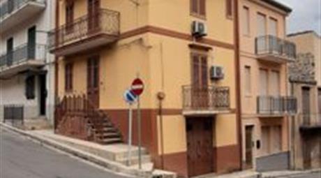 Casa Indipendente in Vendita a Villafrati € 120.000