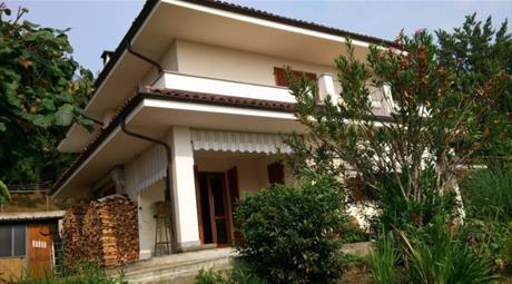 Villa via San Bernardino 22, Saluzzo      € 425.000