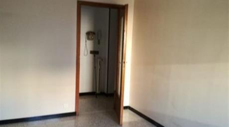 Trilocale in Vendita in Via Giovanni Testone 14 a Alessandria € 50.000