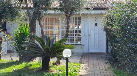 Villa da favola in Residence Colli Enea Pomezia