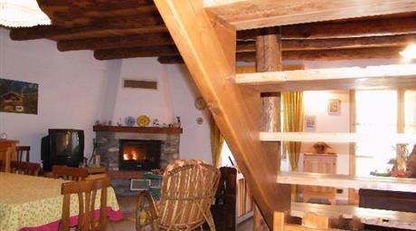 Casa a Pontechianale 240000 euro