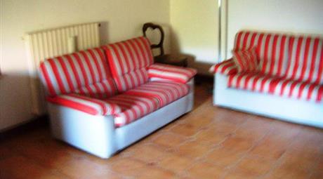 Vendesi porzione di casa indipendente a Morruzze di Baschi (TR)