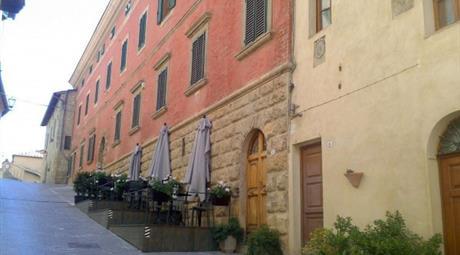 Ampio appartamento nel centro storico di Cetona