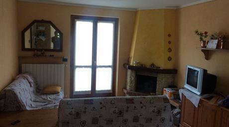 Trilocale in Vendita in Via Monte Alben 18a a Costa Serina