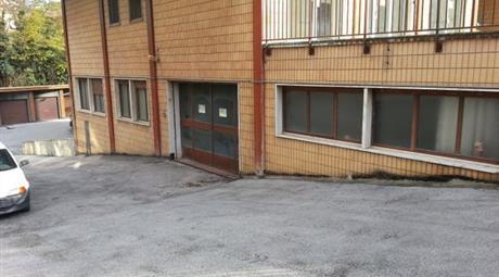 Magazzino-laboratorio in vendita a Tolentino