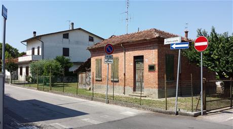 Casa indipendente con terreno in centro a Castiglione