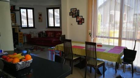 Villa in affitto  in via Martiri della Libertà, 12