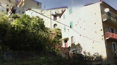 Appartamento su Palazzina indipendente