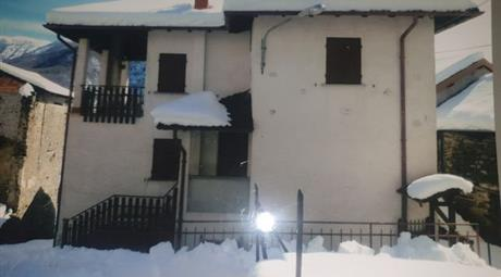 Casa Indipendente in Vendita in Via al Ronco e ai Mulini Lozzo 99 a Maccagno con Pino e Veddasca
