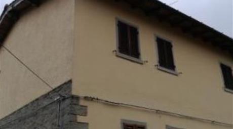 Appartamento su due piani in vendita in via Roma