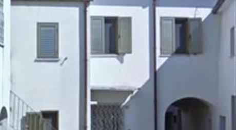 Casa Indipendente in Vendita in Via San Anna 15 a Pozzilli € 64.000
