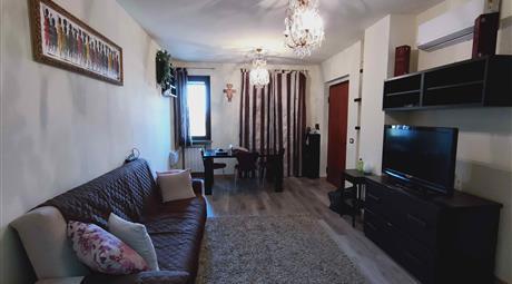 Vendesi appartamento con garage e cantina
