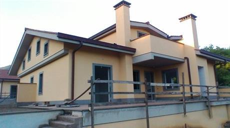 Villa 250 mq  in Rocca di Papa (RM)