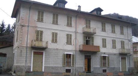 Ex albergo con 9 alloggi