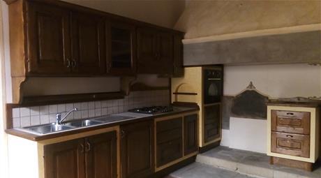 Appartamento restaurato e ammobiliato