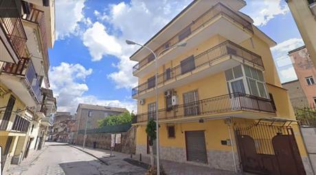 Palazzo in Vendita in Via San Gioacchino 16 a Acerra