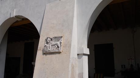 Casale nel veneziano  con corte di campagna
