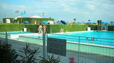 Trilocale con piscina, spiaggia e parcheggio cond