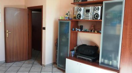 Appartamento trilocale arredato-Appartamento in Vendita da Privato