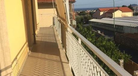 Porzione di Villa bifamiliare in vendita in via Nuova di Peagna, 102