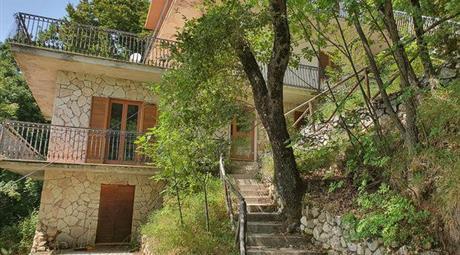 Villa in vendita a Petrella Salto