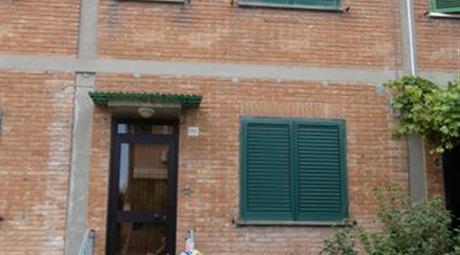 Villetta a Schiera in Vendita in Via della Pace 168 a Ferrara
